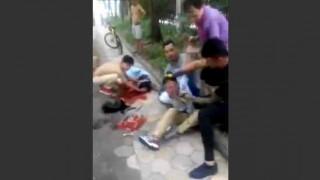 【閲覧注意】喉を掻っ切り強盗した男が犯行直後に捕まりフルボッコされます。