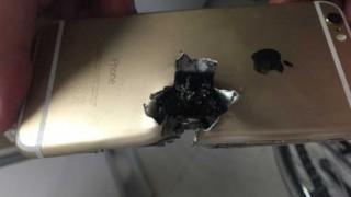 【衝撃画像】iPhone(アイフォン、アイフォーン)に命を救われたトルコ兵www