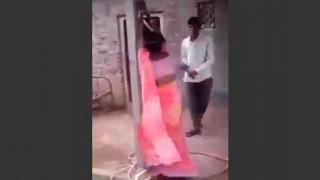 【動画】浮気した妻と相手男性を縛り上げ縄で打ちまくる激怒してる旦那。