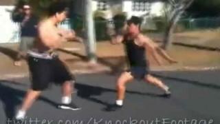 【動画】ボクサー対キックボクサーのガチンコのケンカ動画。