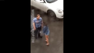 【動画】ガールフレンドに罵られ殴られた結果、堪忍袋の緒が切れる男性。