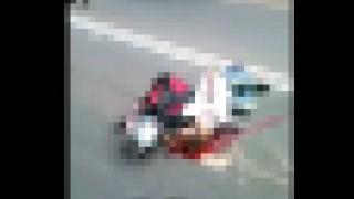 【閲覧注意】ヘルメット被ってたのに事故で頭部が破裂してしまった男性の動画。