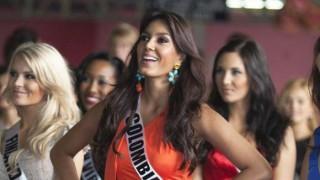 【お宝流出】ミスユニバースコロンビア代表のお色気ムンムンラテン美女がミニスカノーパンスキャンダルwwwww