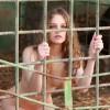 【閲覧注意】ロシアの美女が全裸で凄い事やってる(動画)