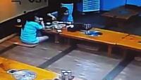 ワロタ。どういう状況だよなんでだよwww韓国のレストランを襲ったイノシシの映像。