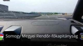 【衝撃動画】ランボルギーニが340km/hでクラッシュ…。