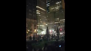 【衝撃動画】ニューヨークのコロンバスサークルで『ジャスティン・ビーバー』がポケモンGOで遊んでるwww