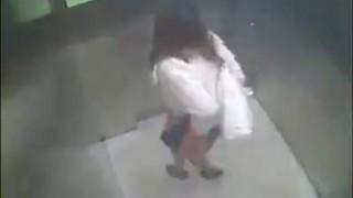 【衝撃動画】お姉さん!そこトイレじゃないよwww
