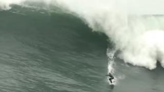 【動画】世界中の巨大な波でサーフィンしてる動画まとめ。
