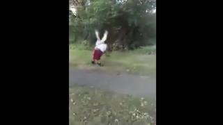 【動画】妹をレイプしようとしたヤツをボコボコにブッ飛ばすお兄ちゃん。
