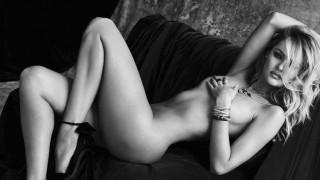 【画像】スーパーモデルが全裸になったら。これはもう美しいとしか言いようがないわ