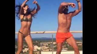 【オモシロ動画】モデルみたいな美女と陽気にダンスを踊るマッチョなおじさんwww