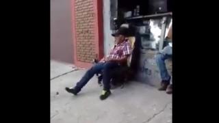 【オモシロ動画】自動車のシートが座り心地よかったので普通の椅子として使用した結果www