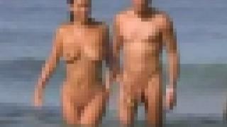 【エロ注意】海外のヌーディストビーチは乱交しちゃうカップルもいるらしいwww