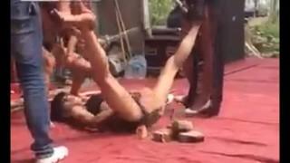 【衝撃動画】鋼のマンコを持つ女www