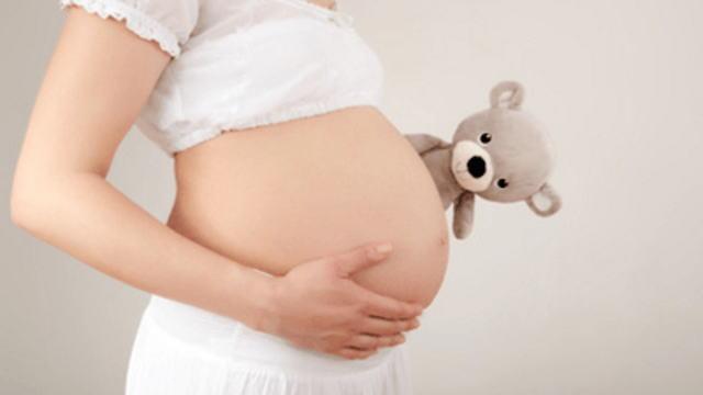 【衝撃】14歳で妊娠したこのバカ女wwwww(※画像あり)