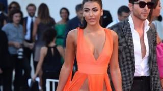 イタリアのモデルが下着を履くのを忘れてビンス映画祭に出席した結果【4pic】
