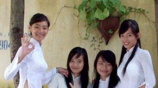 【素人】アオザイを着たベトナム女子のエロかわいい画像