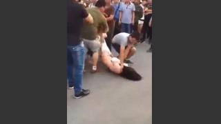 【動画】中国では妻に愛人との浮気ばれると全裸にされるのが普通らしい!?