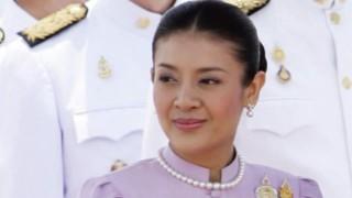 【露出】タイ皇太子妃がオッパイ丸出し&Tバックでパーティーに出席する衝撃映像…