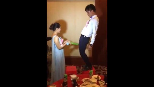 【動画3本】中国の結婚式での新郎新婦の余興がエロ杉wwwww