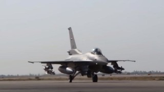 【動画】イラク空軍がF16戦闘機でモスルを爆撃しに出撃。