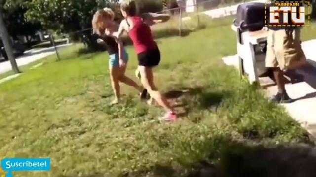 【動画】不意をついた先手必勝が明暗を分けた美女同士のガチケンカ。