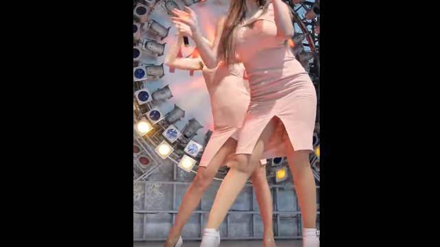見せパンにミニスカ履いた韓国アイドルの画像