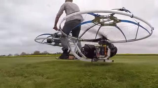 【動画】実際にホバーバイクを作成して飛行した人がいたw