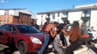 【動画】こえぇぇぇ!!!シカゴのギャング同士のケンカで突然の銃声が…。