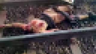 【エログロ画像】白人女性がインドネシアで電車に飛び込み自殺した事件現場の裸の死体画像!!※閲覧注意※