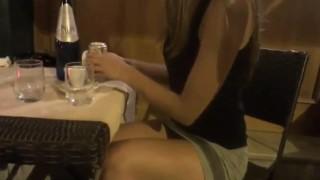 マジか!?アナル挿入で温めた缶ビールをテラス席で飲もうとするミニスカノーパンのブロンド美女www※動画あり