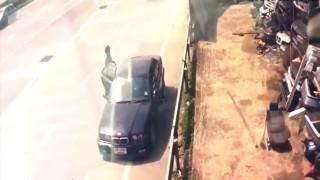 【事故動画】路肩に駐停車することがいかに危険かがわかる事故の瞬間動画。