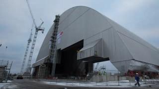 【衝撃動画】チェルノブイリ原発に建設された新しい石棺の移動を撮影した動画。