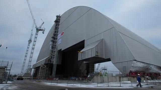 チェルノブイリ原発の場所に建設された新しい石棺