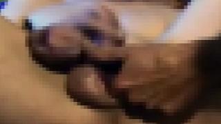 【超閲覧注意】スプリットペニス(二つに裂けたペニス)の男性のオナニー動画。※かなりグロいので閲覧注意。