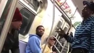 【衝撃動画】電車でのケンカ動画なんだけど、、パンチがすべてクリーンヒットしてる!