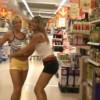 【エロ注意】スーパーマーケットの商品を使用してオナニーする女性二人組を撮影した動画。