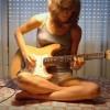 【エロ注意】ギターテクも凄いんだがタンクトップの乳首ポッチとパンティに目がいってしまうwww