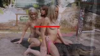 【エロ注意】トップレスでワニに跨るブロンド美女たちを撮影した動画w