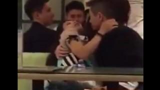 食堂でイチャつくバカップル、女が完全にイッててエロい・・・(動画)