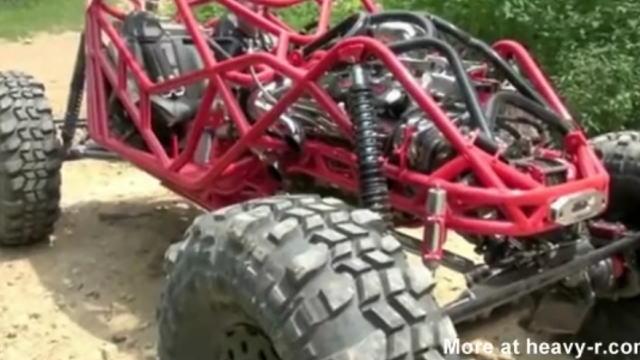 【衝撃動画】急勾配や悪路、横転もものともしない最強バギーの走行動画w