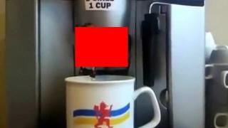 【動画】面白いけど喉の渇きもなくなってしまうコーヒーメーカーの動画www