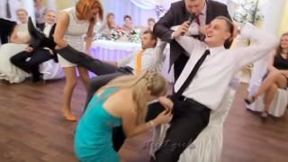 【動画7本】ロシアの結婚式はエロい余興ばかりでとても楽しそうだwwwww※エロ注意。
