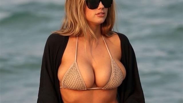【画像】Fカップモデルがプライベートで海に現れたらこんなにエロいらしい