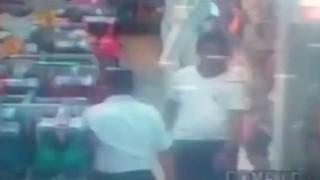 【防犯カメラ動画】すげースタイルのいい色白ちゃんに下着売り場でぶっかけする男www