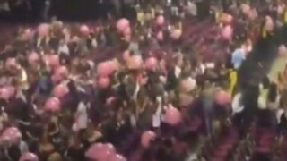 人気歌手「アリアナ・グランデ」のライブ会場で19人が死亡。動画がヤバい