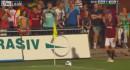 【ハプニング動画】サッカーの試合でテレビ中継画面よく見たら観客席にポロリしてる美女がwww